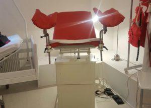 Gynstuhl Klinikbett Klinik