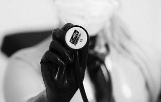 Stethoskop Mundschutz Ärztin Latex